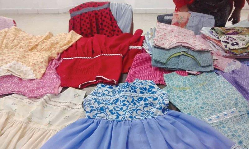 Mulheres metodistas enviam mais de 200 vestidos infantis para Manaus