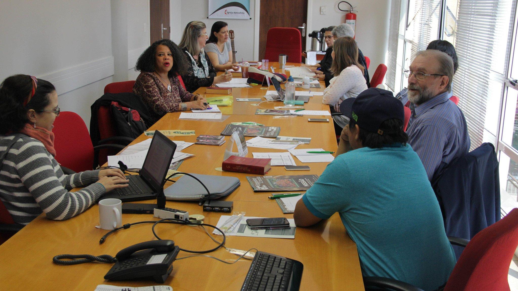 Equipe nacional do projeto Sombra e Água Fresca se reúne em São Paulo