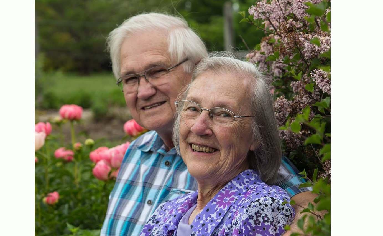 NOTA DE FALECIMENTO  Faleceu no dia 8, a Sra. Phyllis Diehl Dinkins, missionária no Brasil nos anos 60 e 70