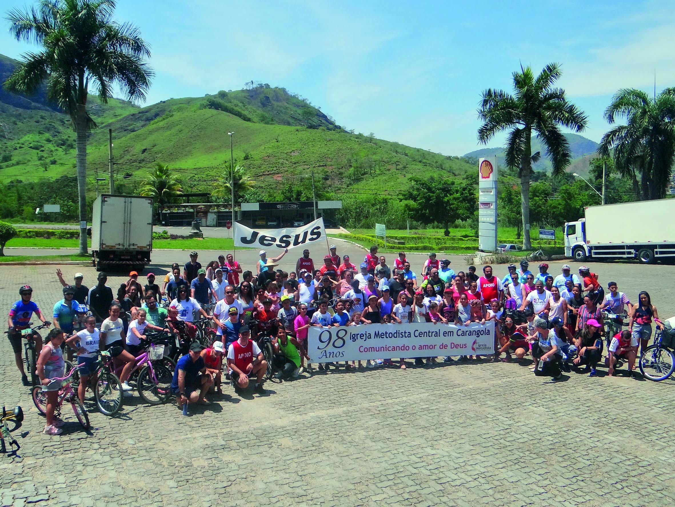 Metodistas de Carangola realizam passeio ciclístico em comemoração de seus 98 anos