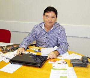 Foto do representante comercial da Angular Editora, Diógenes Gouveia