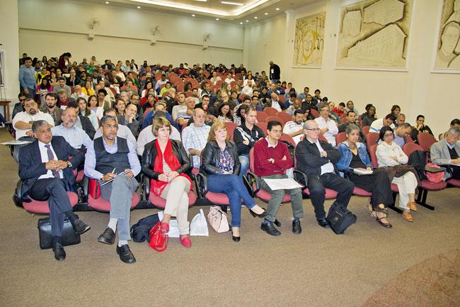Foto do auditório da 65ª Semana Wesleyana na FaTeo