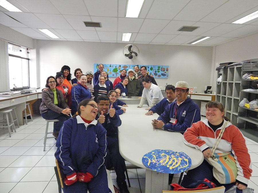 Profissionais fazem trabalhos sustentáveis na Universidade Metodista de São Paulo   Sara de Paula