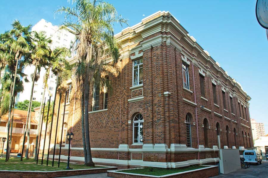 Colégio Piracicabano, fundado em 13 de setembro de 1881 pela missionária Martha Watts, é a Instituição Metodista pioneira no Brasil.