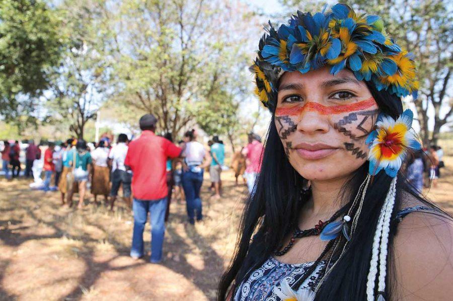 Protesto em Brasília contra a violação de direitos indígenas em agosto de 2016.
