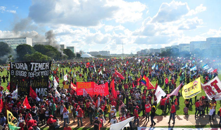 Brasilia (DF) - Marcha de trabalhadores das Centrais e movimentos sociais nas esplanadas dos Ministérios foram impedidos de chegar ao Congresso Nacional | Foto UGT